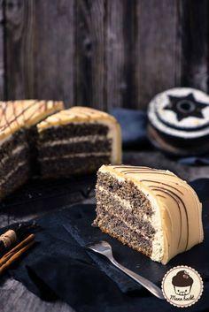 Marzipan Mohn Torte mit Zwetschken Zimt Marmelade [Weihnachtsklassiker] - Mann backt