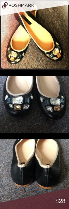 Zara flats Black flats with cream colored trim and gem accents. SIZE: 39, Zara Women. They're in excellent condition but they weren't mine so I'm not sure if they run true or not.... See Zara sizing chart for accuracy before buying!! Zara Shoes Flats & Loafers