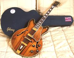American Rosewood Beauty: 1970 Gibson Crest