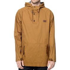 The Dravus Timber jacket is a classic anorak style that works great as a protective outer layer or just to look good in. The tobacco twill colorway will work great with any outfit plus an oversize dual entry snap button pouch pocket on the front and a hal