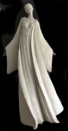 Sculpture by Marie-Paule Deville-Chabrolle. This is just so elegant. Sculptures Céramiques, Sculpture Clay, Ceramic Figures, Ceramic Art, Paperclay, Art Plastique, Oeuvre D'art, Figurative Art, Female Art
