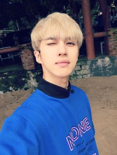 "[FANCAFE] 161215 Ken ""Jaehwan is Singing-VIXX's Milky Way."" Miss you~miss you~Storylyght babies>< Watcha doin~?Thinking bout me~?Hehe I'm listening to Milky Way in order to think about my babies again. Gather all the stars in the pitch black night sky!♥  Trans. cr: fyeah-vixx"