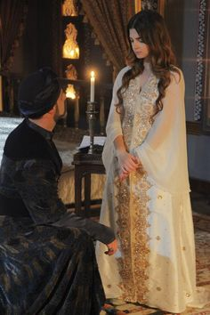 Aria begs her father for the chance to marry for love like he did, though she agrees to meet with Dejah