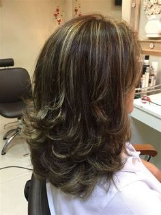 Easy Hairstyles For Thick Hair, Haircuts For Long Hair With Layers, Medium Layered Haircuts, Cute Hairstyles For Medium Hair, Long Layered Hair, Long Hair Cuts, Medium Hair Styles, Short Hair Styles, Brown Hair With Blonde Highlights