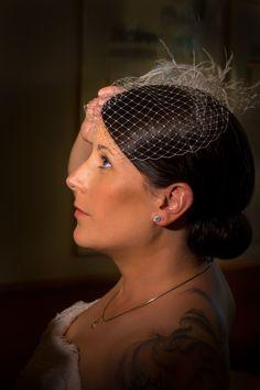 Brautporträt mit Fascinator