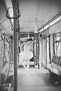 Tutu Project Ballerina Pointe Shoes Metro Station Classical Dance Ballet Wedding Photographer Brussels | Photographe de mariage Bruxelles | Fotograf ślubny Belgia Bruksela | Ballet