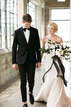 Classic Yet Edgy Black & White Wedding Shoot - Weddingomania Black And White Wedding Theme, Black Tie Wedding, Wedding Shoot, Chic Wedding, Wedding Ideas, Mariage Formel, Wedding Colors, Wedding Styles, Monochrome Weddings