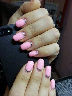 Anastasia-EL  design  nagel Pink mit Steinen