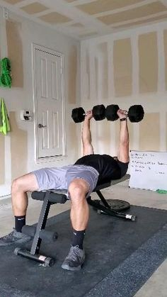 Gym Workout Chart, Full Body Workout Routine, Gym Workout Videos, Gym Workout For Beginners, Upper Body Dumbbell Workout, Bicep And Tricep Workout, Dumbbell Workout At Home, Gym Workouts For Men, Killer Workouts