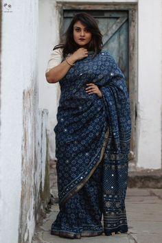Block Printed Maheshwari Saree from Queen of Hearts by Deepa Mehta Indian Fashion Dresses, Indian Designer Outfits, Indian Outfits, Designer Dresses, Handloom Saree, Silk Sarees, Cotton Saree Designs, Bridal Silk Saree, Latest Sarees