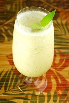 Sexy Monkey Cocktail (Blended Tropical Banana Cocktail)