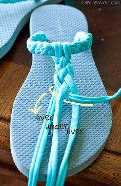Fun Ways to Upcycle Flip Flops is part of Diy sandals - Flip flop sandals are one of our very favourite footwear options all throughout the summer, but if you tend to buy the cheaper ones like we do, then you Flip Flops Diy, Flip Flop Craft, Crochet Flip Flops, Flip Flop Sandals, Decorate Flip Flops, Flat Sandals, Crochet Shoes, Crochet Slippers, Crochet Sandals