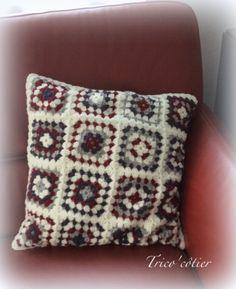 Coussin granny crochet