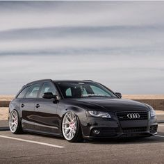 #tbt with @iacro_rilber #wagonsonly #audi #audigasm #audizine #audilover #audigramm #fourrings #campallroad #stance #static #staticonly #stancenation #bags #bagged #baggedb8 #bagriders #becausebags #slammed #lowlife #longroofsociety Audi Wagon, Stance Nation, Audi A4, Slammed, Zine, Concept Cars, Bmw, Vehicles, Autos