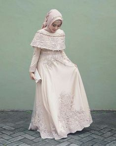 Incoming Style with the Hijab Dress Here Ready to Make You Look Elegant and Hijab Prom Dress, Dress Brukat, Hijab Gown, Muslimah Wedding Dress, Hijab Style Dress, Muslim Wedding Dresses, Maxi Dress Wedding, Bride Dresses, Dress Muslimah