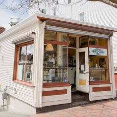 """Union Bagel Co., Old Port district, Portland, Maine.  (Photo Credit: Erin Little Photography; Facebook share by """"Old Port"""" magazine.)"""