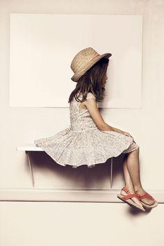 Vestido de Rodar blog. Something about this photo I love.