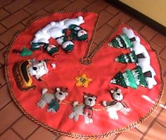 manualidadesartesanas: Pie de Arbol Table Runner Pattern, Tree Skirts, Table Runners, Christmas Tree, Holiday Decor, Home Decor, Ideas, Canvas, Scrappy Quilts