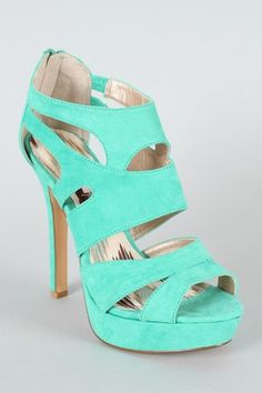 *mint shoes!!!* drools