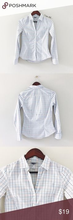 """🆕 H&M Plaid Button Down -Long sleeves. -Spread collar. -97% Cotton, 3% Elastane. Machine wash. -17"""" bust, 20-22"""" from top of shoulder to rounded hem. -H&M size 4. Runs small. More like 00/0. Check measurements. 📸: @inna_lala H&M Tops Button Down Shirts"""