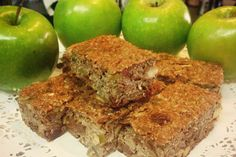 Our Apple & Cinnamon bars are a low carb snack that's super simple to make and great for both kids or adults (perfect addition to a lunch box! Great for a quick and easy breakfast, snack at morning tea or post training snack. Protein Bread, Protein Pancakes, Protein Foods, Protein Recipes, Yummy Healthy Snacks, Healthy Recipes, Healthy Eating, Bread And Company, Low Carb Recipes