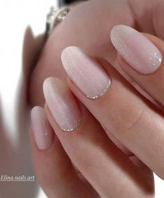 What you need to know about acrylic nails - My Nails Chic Nails, Stylish Nails, Trendy Nails, Soft Pink Nails, Neutral Nails, Pink Gel Nails, Pink Manicure, Ombre Nail, Red Nail