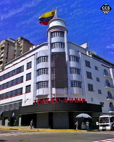 Te presentamos la selección del día: <<ARQUITECTURA>> en Caracas Entre Calles. ============================  F E L I C I D A D E S  >> @livcel << Visita su galeria ============================ SELECCIÓN @marianaj19 TAG #CCS_EntreCalles ================ Team: @ginamoca @huguito @luisrhostos @mahenriquezm @teresitacc @marianaj19 @floriannabd ================ #arquitectura #Caracas #Venezuela #Increibleccs #Instavenezuela #Gf_Venezuela #GaleriaVzla #Ig_GranCaracas #Ig_Venezuela #IgersMiranda…