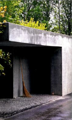 The back entrance Peter Zumthor_atelier
