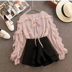 Incredibly / Fall Outfits To Try This Year You can collect images you discovered organize them, add your own ideas to your collections and share with other people. Cute Casual Outfits, Girly Outfits, Pretty Outfits, Stylish Outfits, Summer Outfits, Teen Fashion Outfits, Mode Outfits, Cute Fashion, Fashion Dresses