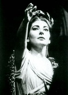 "MARIA CALLAS | Maria Callas, em ""Norma""."