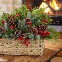 Christmas Flower Decorations, Christmas Flower Arrangements, Christmas Table Centerpieces, Christmas Greenery, Christmas Baskets, Christmas Flowers, Rustic Christmas, Christmas Wreaths, Christmas Crafts