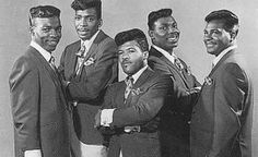 THE PARLIAMENTS (GEORGE CLINTON ON THE FAR RIGHT)