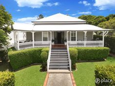 191 Lancaster Road, Ascot, Qld 4007 Source by Dream House Exterior, Exterior House Colors, Exterior Design, Queenslander House, Weatherboard House, Australia House, Storybook Homes, Front Porch Design, House On Stilts