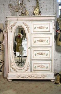 Painted Cottage Chic Shabby Romantic French Dresser - August 17 2019 at Rustikalen Shabby Chic, Casas Shabby Chic, Muebles Shabby Chic, Estilo Shabby Chic, Shabby Chic Bedrooms, Bedroom Vintage, Shabby Chic Furniture, Shabby Vintage, Trendy Bedroom