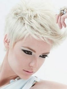 Short Haircuts for Blonde Hair : 2014 New Hair Style Models Short Blonde Haircuts, Short Layered Haircuts, Short Hair Cuts, Short Hair Styles, Haircut Short, Pixie Cuts, Edgy Pixie, Corte Y Color, Sassy Hair