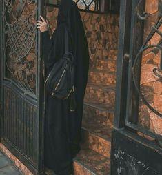 Cute Muslim Couples, Muslim Girls, Muslim Women, Hijabi Girl, Girl Hijab, Hijab Outfit, Mode Abaya, Mode Hijab, Black Hijab