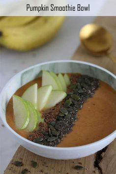 Easy and delicious pumpkin smoothie bowl Fall Soup Recipes, Tea Recipes, Pumpkin Recipes, Healthy Recipes, Healthy Food, Apple Recipes, Brunch Recipes, Healthy Meals, Smoothie Recipes