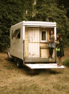 "Handmade Matt: Van conversion. From scratch to home on wheels. A Camper Van ""How can I make one of those?"""