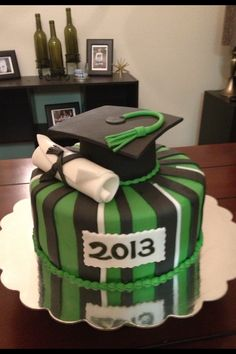 Graduation diploma and cap fondant cake