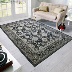 Decks Antique rugs feature a traditional design with intricate detailing in contrasting shades of grey. #Traditional #InteriorDesign