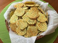 Medvehagymás sajtos tallér | mókuslekvár.hu General Motors, Snack Recipes, Snacks, Cereal, Chips, Paleo, Breakfast, Sweet, Food