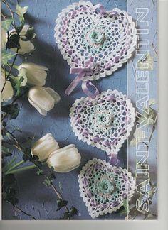 """"""" MOSSITA BELLA PATRONES Y GRÁFICOS CROCHET """": Móvil de corazones con flor a crochet..."""