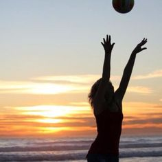 Warm up on the sunset! Beach #Volley Sunset