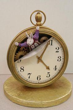 Alice in Wonderland Groom's Cake #provestra