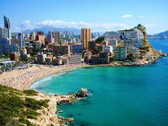 Benidorm es una ciudad de la provincia de Alicante, en la Comunidad Valenciana, España. Está situada en la comarca de la Marina Baja, a orillas del mar Mediterráneo, a 49 kilómetros de Alicante y 140 km de Valencia.