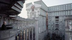 Entre passé et futur, cette architecture de banlieue qui se voulait futuriste