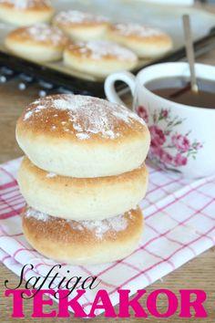 Saftiga tekakor Savoury Baking, Bread Baking, Bread Shop, Scandinavian Food, Swedish Recipes, Food Obsession, Food Inspiration, Baking Recipes, Bakery