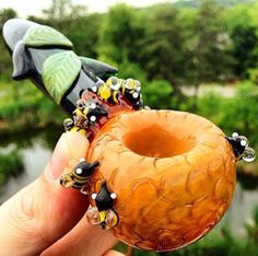 bee bowl Wake And Bake, Cannabis, Weed Pipes, Smoking Accessories, Glass Pipes And Bongs, Weed Shop, Overnight Shipping, Bees Knees, High Level