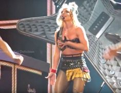 Britney Spears Wardrobe Malfunction Nearly Exposes Breasts During 'Piece Of Me' Show (VIDEO)