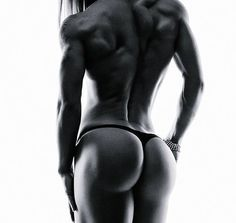 IFBB Bikini Pro Maya Puliyska Talks With Simplyshredded.com | SimplyShredded.com